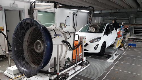 Desempenho ambiental do carro medido em laboratório