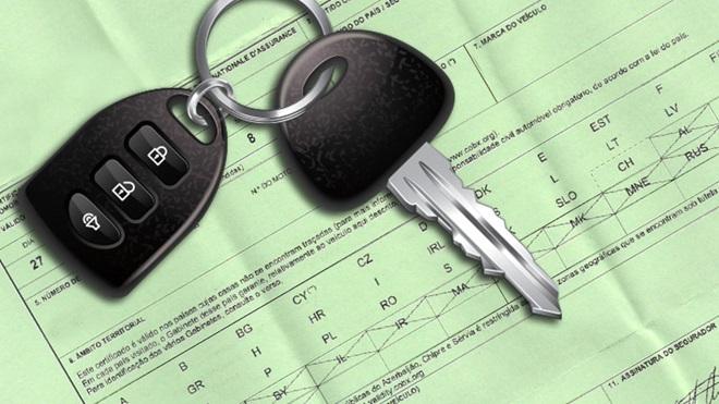 carta verde com chave de carro