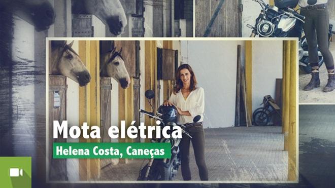 mulher com mota elétrica super soco