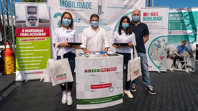 Expositor da DECO PROTESTE no Encontro Nacional de Veículos Elétricos.