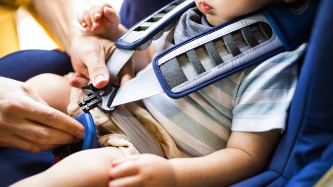 cadeira de criança bebé a bordo