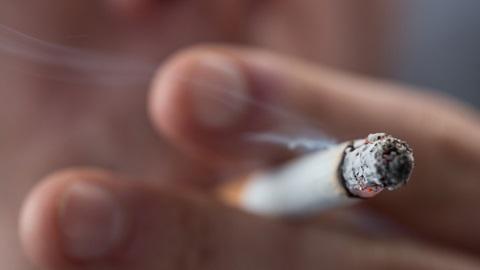 Fumar no prédio dá coima?