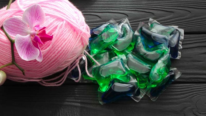 novela de lã e detergente em cápsulas