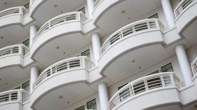 Fachada de prédio com varandas circulares