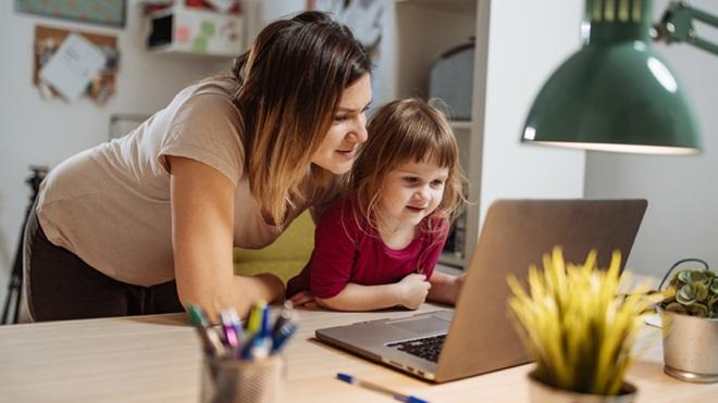 Covid-19: fazer videochamadas com os avós