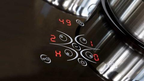 Placa de cozinha em funcionamento