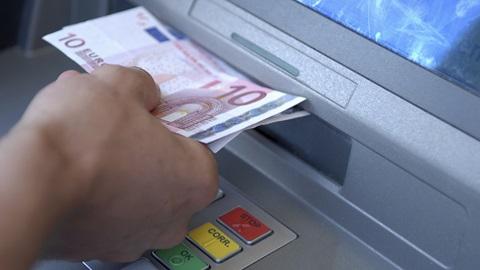 Cartão multibanco deixa de ser obrigatório para levantar dinheiro