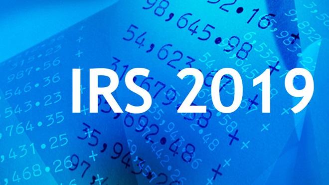 Ilustração com contas da declaração de IRS 2019