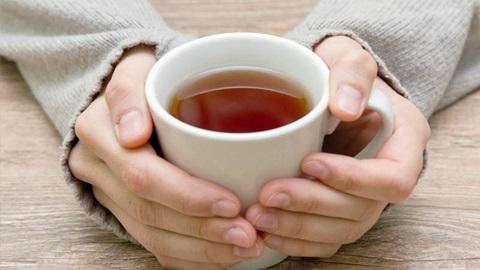 Cafeína: 2 chávenas de chá equivalem a 1 bica