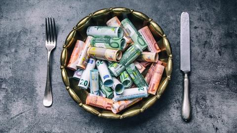 Restaurantes: preços obrigatórios à entrada e na ementa