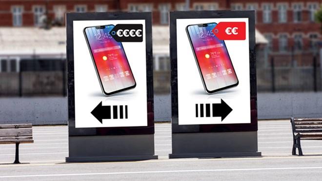 Dois outdoors com uma comparação de telemóveis do mais caro ao mais barato
