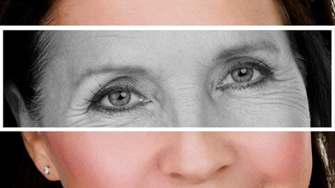 Olhos de uma mulher com rugas