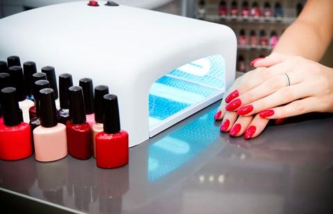 Unhas de gel aumentam o risco de cancro da pele?