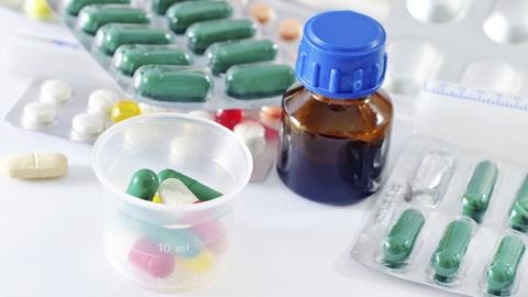 Medicamentos: como comunicar efeitos adversos