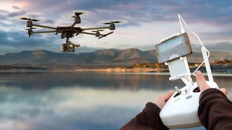 Os drones vão poder voar a uma altura máxima de 120 m. Voos mais altos, só com autorização especial.