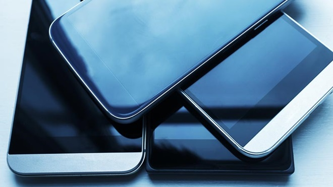 Pilha de telemóveis recondicionados