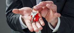 Regras para vender uma casa que esteja arrendada e habitada por inquilinos.