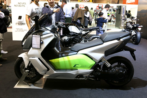 A BMW C Evolution custa 17 mil euros.
