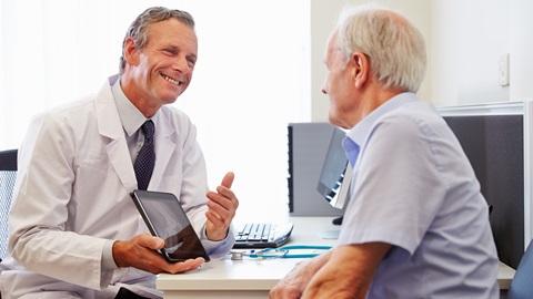 Muitos dos participantes no nosso inquérito queixam-se dos serviços de saúde e 9 em cada 10 afirmam que fariam queixa em caso de erro ou de negligência médica. Mas poucos passam à ação, por considerarem que de nada adianta.