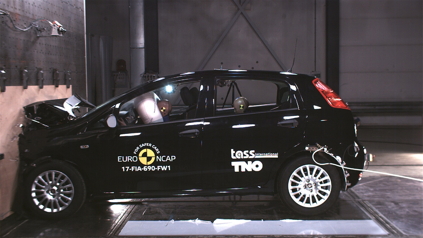 Fiat Punto bocciata dai test Euro NCAP