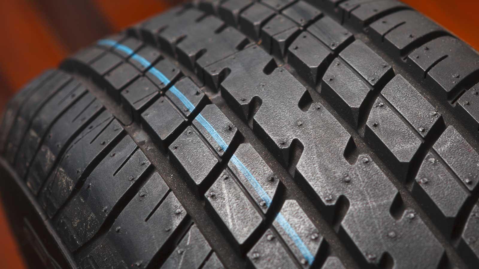 Conselhos DECO PROTESTE para o ajudar a escolher pneus 185-65-r15.