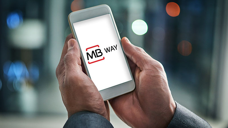 Smartphone com app MB Way