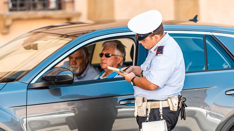 Condutores vão ser notificados por infrações de trânsito cometidas na União Europeia