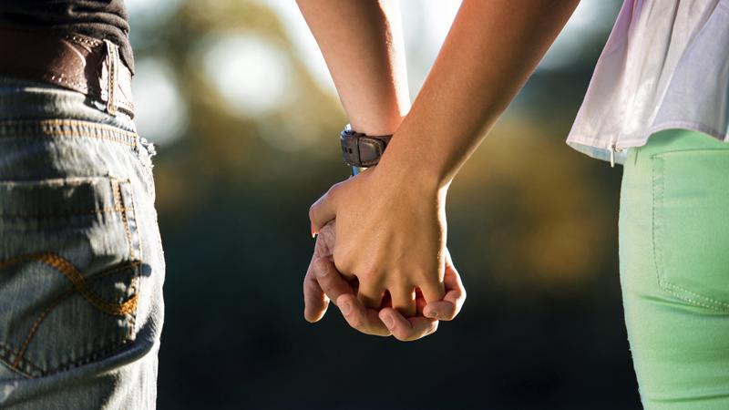 Conheça os direitos dos casais a viver em união de facto, em aspetos como a herança de bens, os filhos, a adoção e a declaração de IRS.